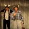 Ganz ohne geht es nicht: Ox & Esel 23. bis 25.12. im Online-Stream – Komma Theater Duisburg